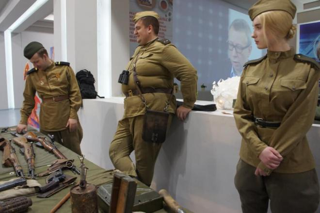 Russia My History weapons handling table