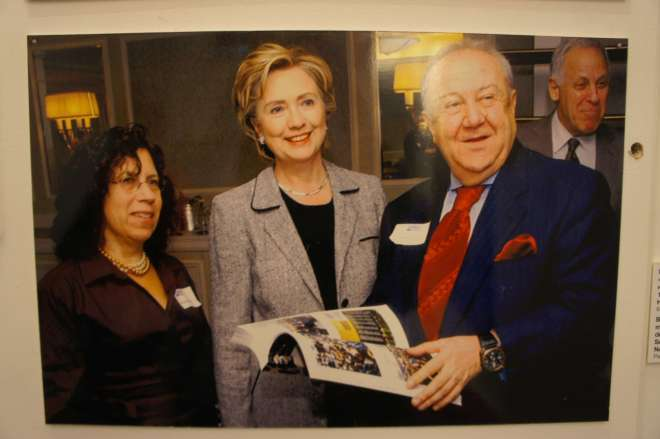 Clinton photo Zurab Tsereteli Studio Museum Moscow