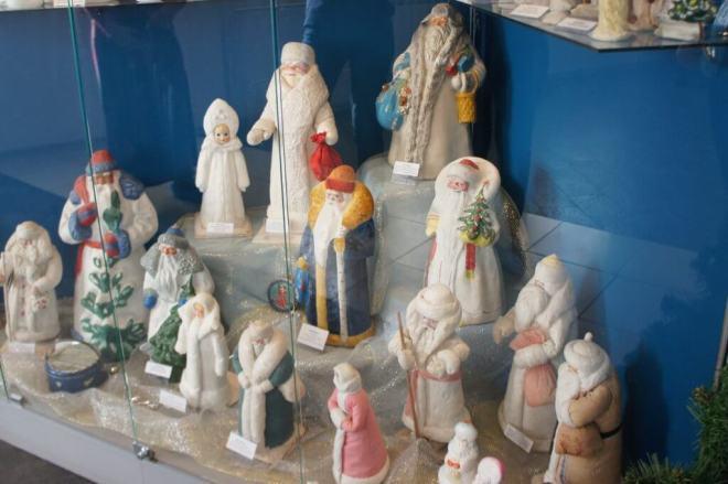 Papier mache Ded Moroz figures from Soviet Russia