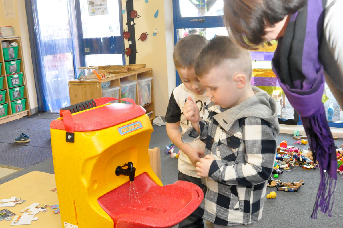 Why you should teach your children to be hand washing superstars