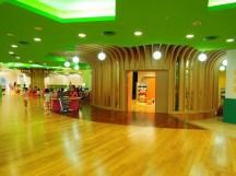 台中圖書館裡的兒童學習中心,以「樹」為造型,非常寬敞、明亮~