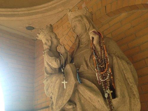 monastery_statue