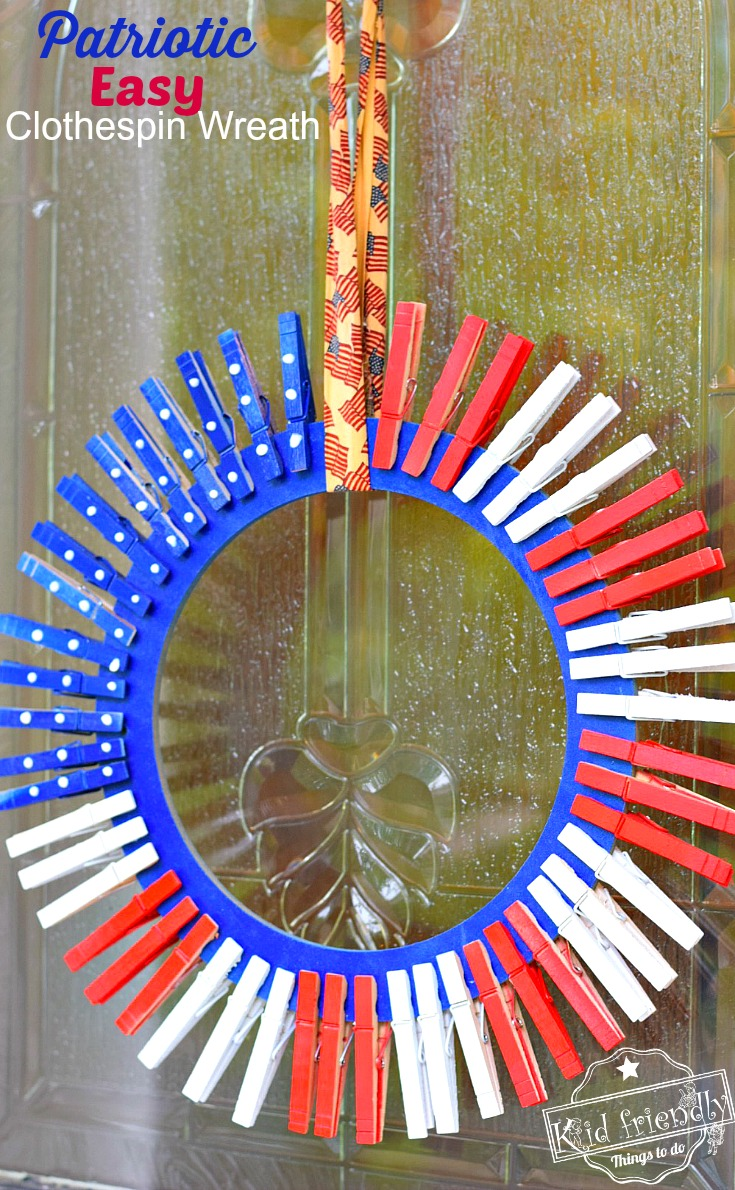 Easy 4th of July DIY Clothespin wreath. fun to do with the kids! Make a clothespin patriotic wreath for summer fun and a great decoration - www.kidfriendlythingstodo.com Memorial Day and Labor Day craft