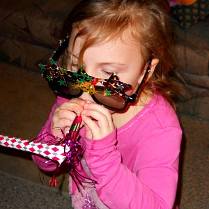 Make Your Own New Years Eve Party Glasses Idea