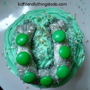 A Horseshoe Cupcake