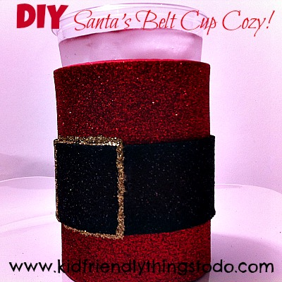 A super simple craft, that's inexpensive, and looks adorable on the Christmas table!