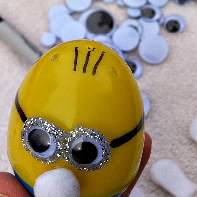 Making Minion Easter Eggs