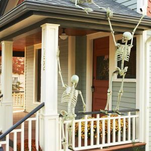 Hilarious Skeleton Yard Displays for Halloween