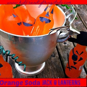 Super easy Halloween party drinks! It's a drink, and a craft in one! Fun stuff!