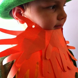 Leprechaun beard or ZZ top! Either way it's a cute hand print craft for St. Patrick's Day