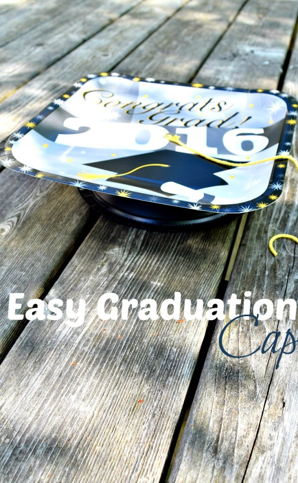 Easy DIY Graduation Cap For Kids Craft - So simple to make and looks a lot like the real thing! KidFriendlyThingsToDo.com