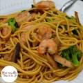 You need to try this! Easy Spaghetti Noodle Shrimp Lo Mein - KidFriendlyThingsToDo.com