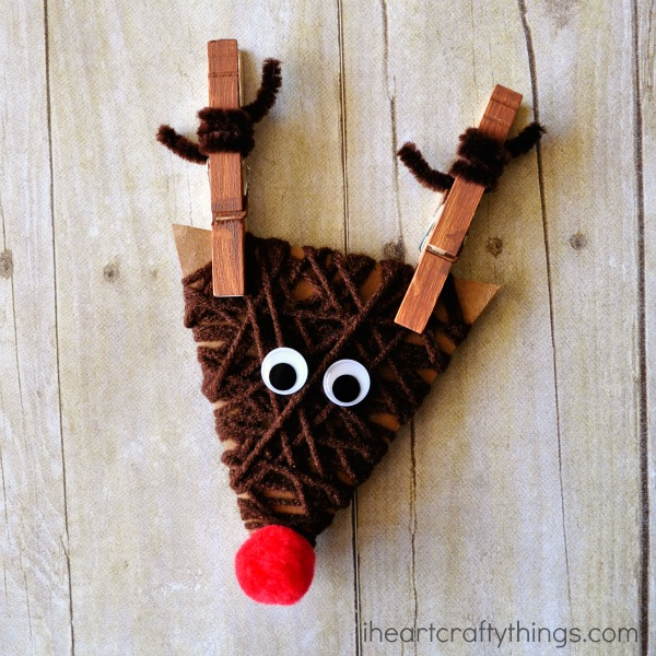 Over 30 Easy to make ornaments for kids Christmas parties at school or just for fun!  www.kidfriendlythingstodo.com