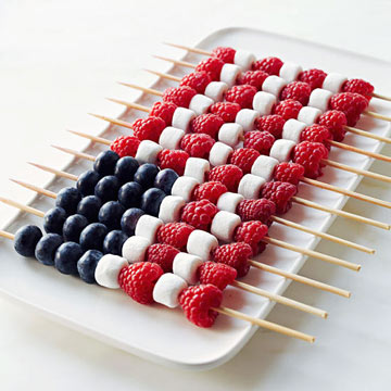 Tons of Patriotic Party Ideas! Crafts, DIY Decorations, fun food treats and Recipes. Perfect for Memorial Day, Fourth of July and Labor day fun or summer fun - www.kidfriendlythingstodo.com