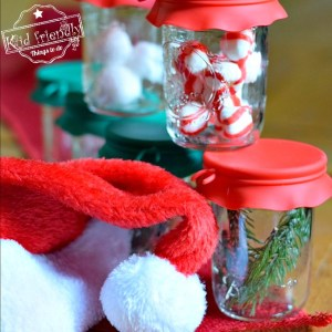 Guess that Smell Christmas Game for the Whole Family to Play! - Such a fun game to play. Perfect for kid's and teen parties - www.kidfriendlythingstodo.com