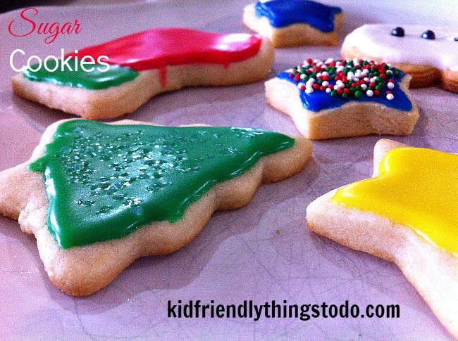 Best ever Christmas Sugar cookie - www.kidfriendlythingstodo.com