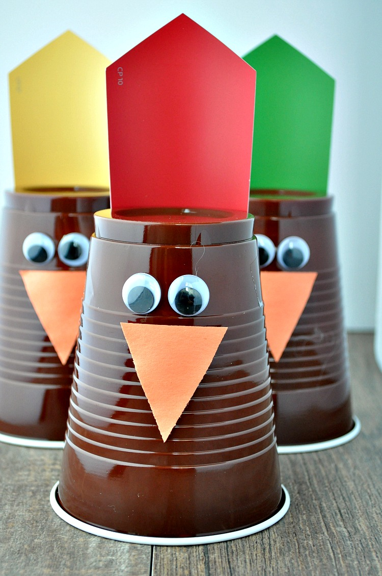 Over 13 Really Fun Thanksgiving Family Games to Play for Kids, Teens and Adults - Make some memories with these DIY ideas - www.kidfriendlythingstodo.com