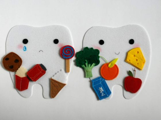 Avoiding foods that damage our teeth is an eating habit everybody should follow