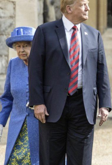 Доналд Тръмп три пъти наруши протокола по време на срещата си с кралица Елизабет II в Уиндзорския замък