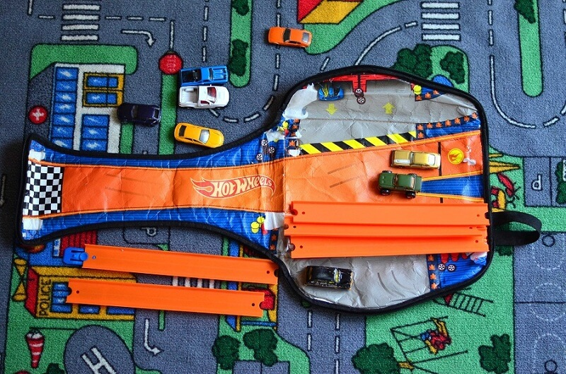 hot wheels zip up racer backpack