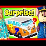 ASSISTANT + Paw Patrol in Real Life Surprise Tent a Funny Kidsy Surprise Toys Video
