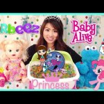 BABY ALIVE EATS ORBEEZ Cookie Monster vs Snackin' Sara doll Orbeez Challenge Surprise toys Bath Spa