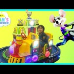 Chuck E Cheese Family Fun Indoor Games and Activities for Kids Childen Play Area Kids Play Center