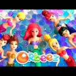 Little Mermaid Ariel Swimming in Orbeez with Her Mermaids Sisters Color Changing Dolls Underwater