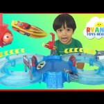 Zuru Micro Boats Racing Track Playset Toy for Kids Shark Attack Water Toys Disney Finding Dory Nemo
