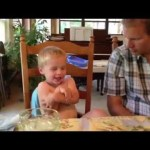 2-Year-Old Twin Insists on Saying Prayer Over Dinner
