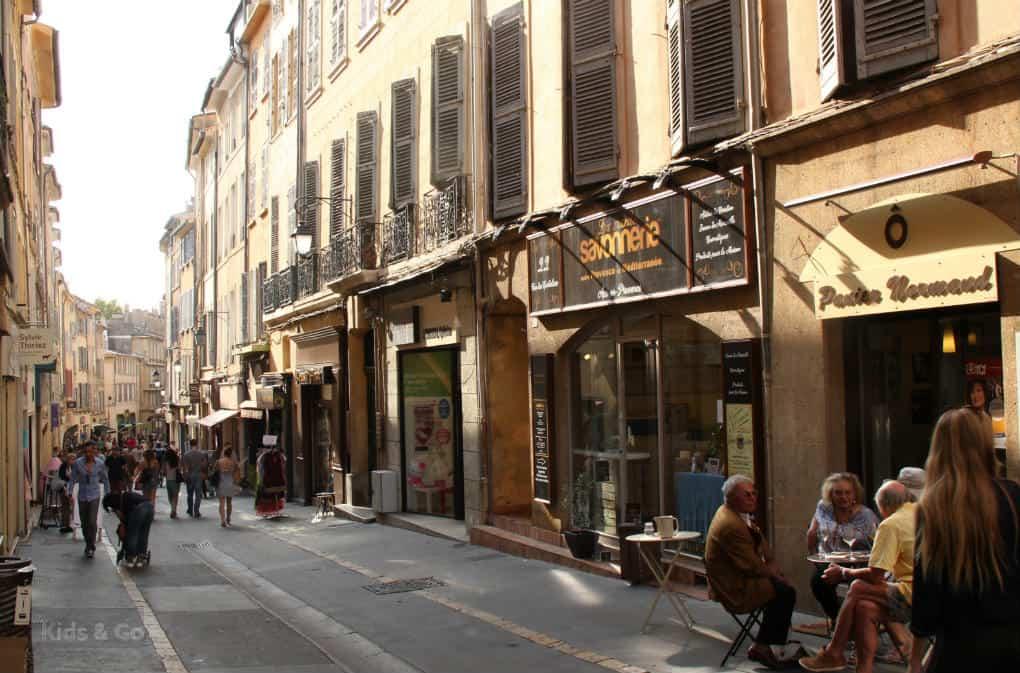 Aix-en-Provence z dzieckiem