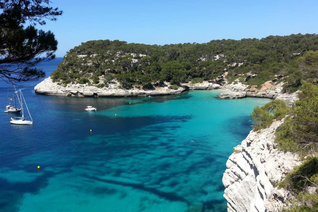 Rejs wzdluz wybrzeza Minorki