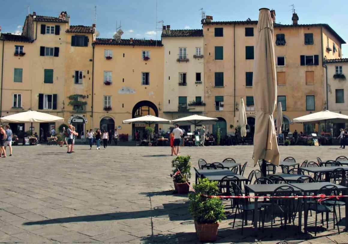 Lucca z dziećmi - Plac Anfiteatro