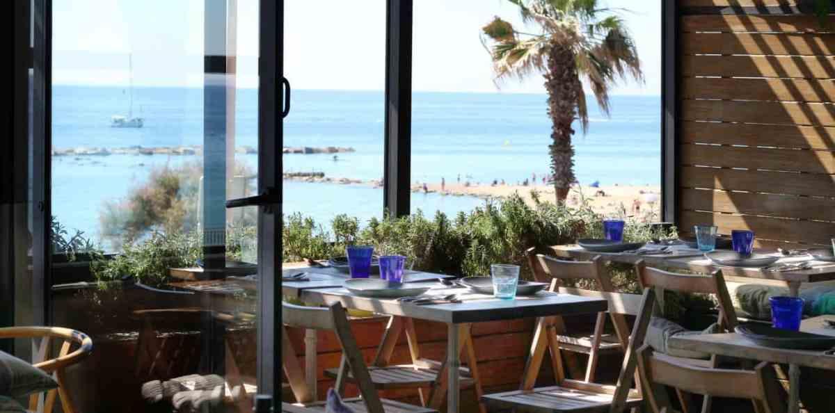 Barraca - paella z widokiem na morze w Barcelonie