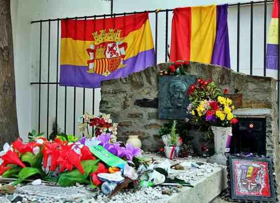 Grob Antonio Machado