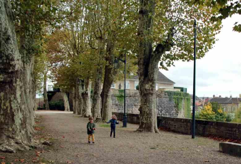 Zwiedzanie Burgundii z dziecmi