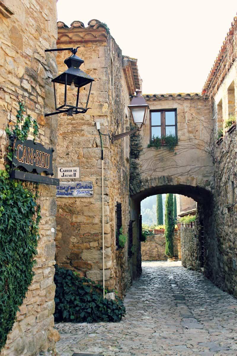 miasteczka Emporda - Katalonia zwiedzanie