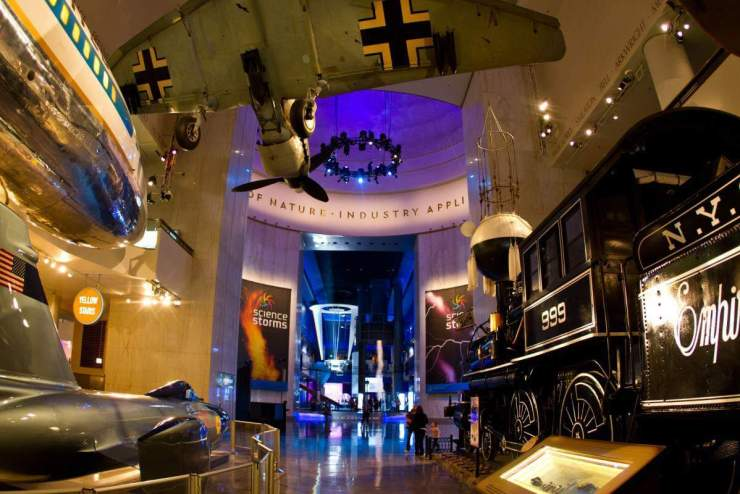 Fun Things to Do Chicago with Kids Museum of Science and Industry-Kids Are A Trip