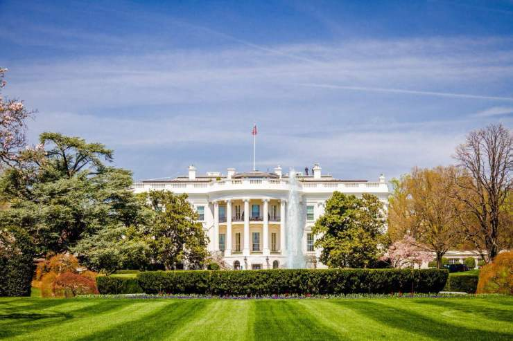 Favorite Things to See and Do in Washington, D.C. with Kids Visit The White House -Kids Are A Trip