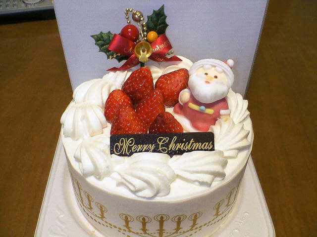 Christmas in Japan Christmas Cake-Kids Are A Trip