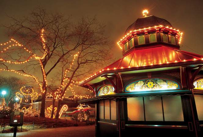 November and December are a magical time to celebrate the holidays inChicago as the city puts its best foot forward with these special events.-Kids Are A Trip