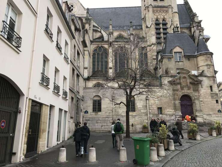 Books Tours in Paris with Context Travel - Kids Are A Trip