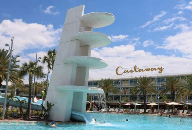 Cabana Bay Beach Resort at Universal Orlando is retro fun for families in Orlando. - Kids Are A Trip