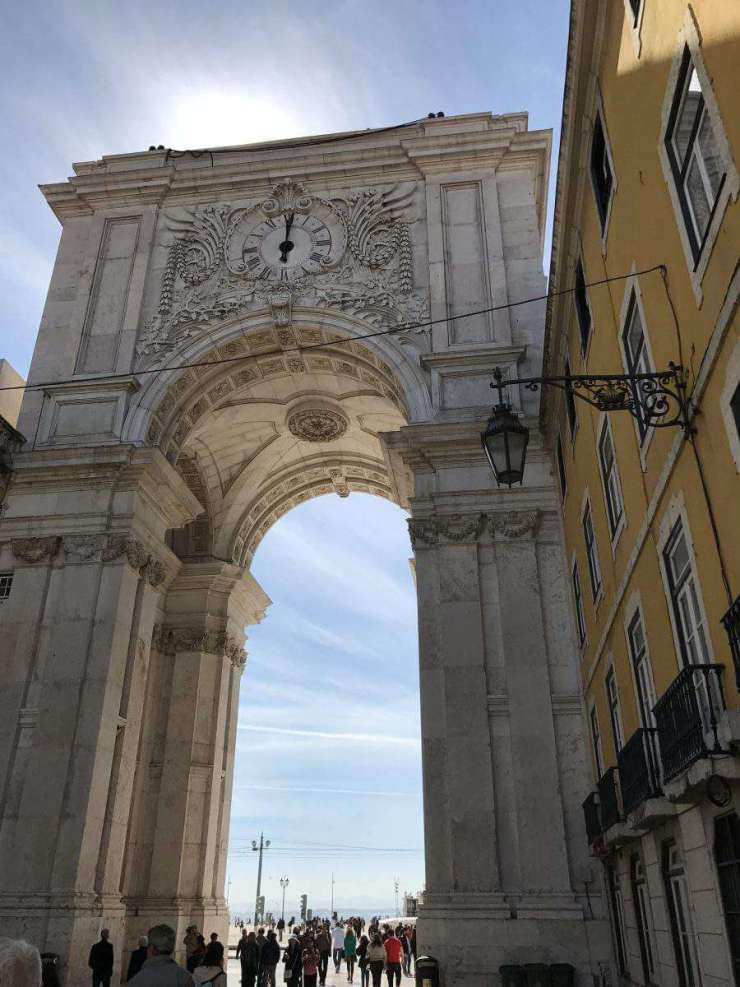 Perfect Weekend in Lisbon Rua Augusta Arch-Kids Are A Trip