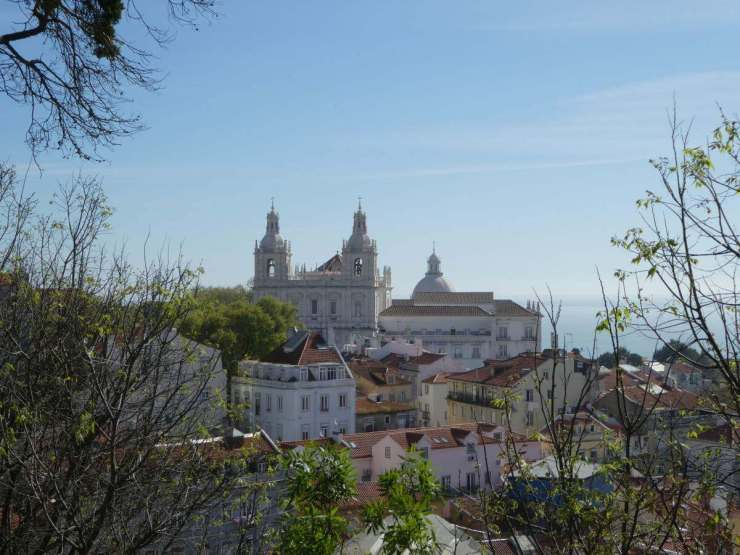 Perfect Weekend in Lisbon visit Sao Jorge Castle-Kids Are A Trip