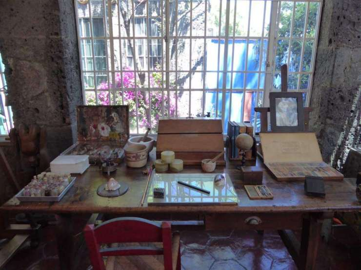 Family Friendly Things to Do in Mexico City Casa Azul Frida Kahlo-Kids Are A Trip