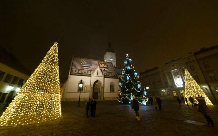 Best Christmas Markets in Croatia Zagreb-Kids Are A Trip
