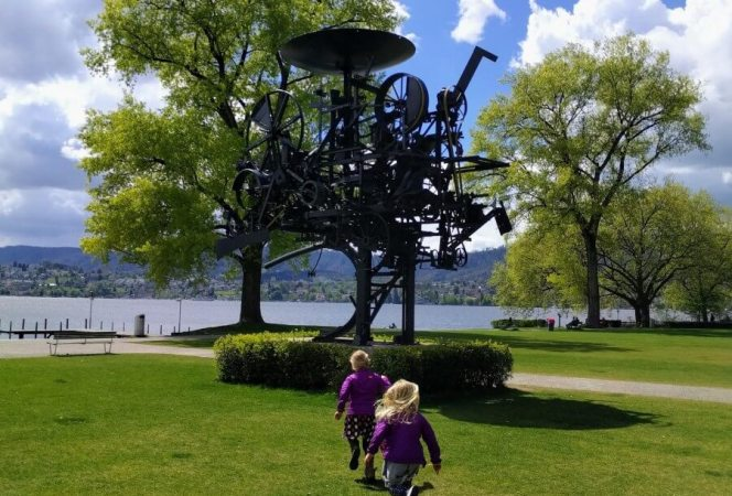 Switzerland is the perfect destination for families and Zurich welcomes them with open arms. Come see the best family friendly things to do in Zurich, Switzerland!-Kids Are A Trip