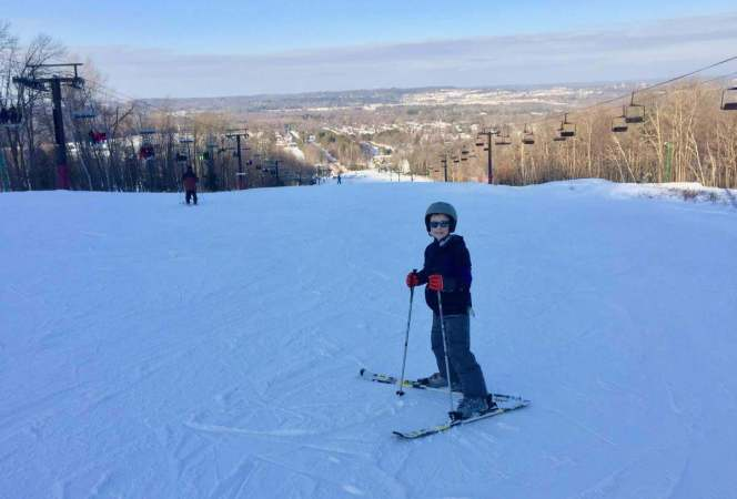 Ski Utah this winter with a Ski Utah Passport. 5th and 6th graders can ski at 14 different resorts for $35! - Kids Are A Trip