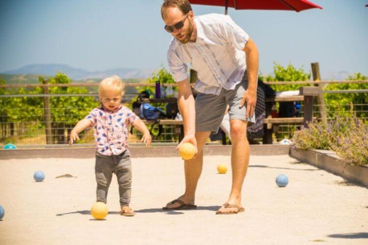 Who says wineries aren't kid friendly? We're sharing the ultimate guide to exploring Napa with kids. -Kids Are A Trip